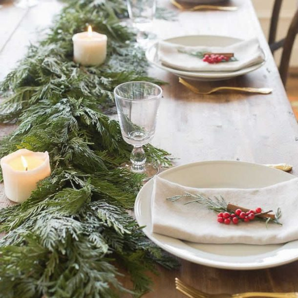 HOW TO DECORATE FOR THE CHRISTMAS HOLIDAYS
